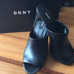DKNY sandal black